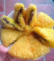 Xôi chim, chả cá hồi, bánh tôm Hồ Tây